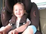 Magali im Autositz