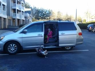 Das Auto ist so lang, das der vordere Teil nicht mal auf das Foto gepasst hat:)